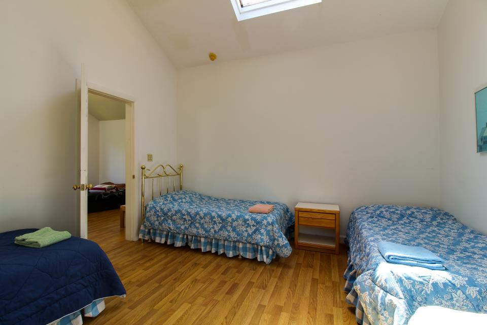 unit5-bedroom3