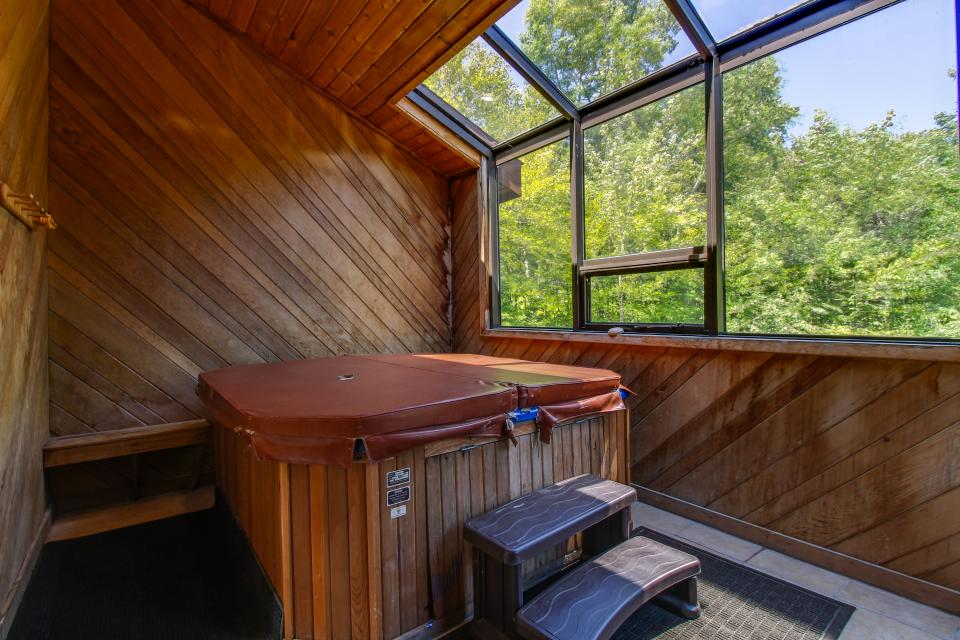unit6-hot-tub