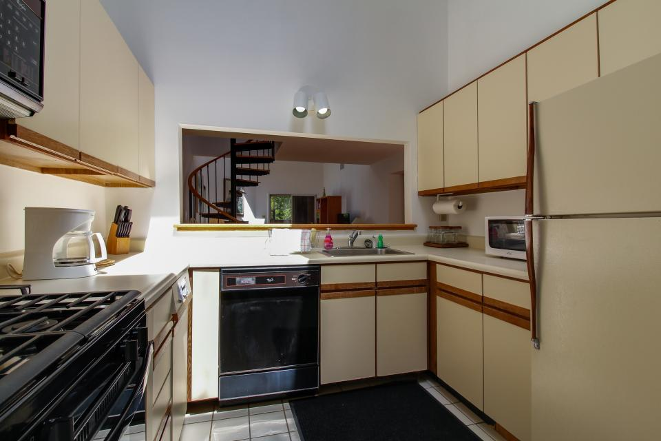 unit6-kitchen